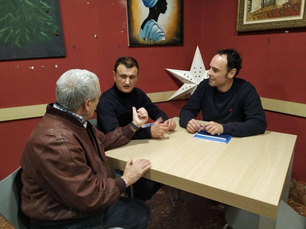 Txema y David Lorente con Txema Ezkerra (concejal de Portugalete por el PNV).