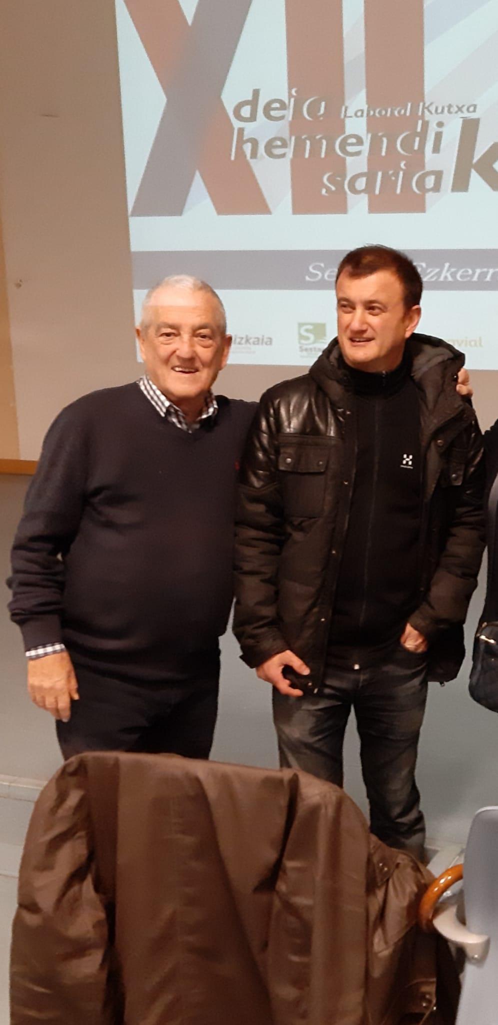 Txema y David Lorente recogen el premio DEIA Hemendik Sariak Ezkerraldea 2019